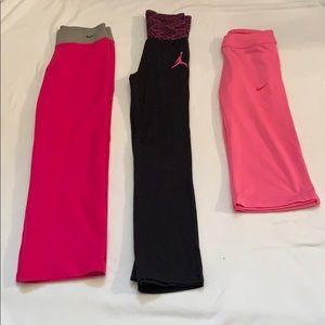 Girls Nike leggings and Capri pants Medium bundle
